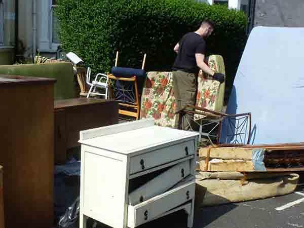 Smaltimento-mobili-vecchi-sassuolo